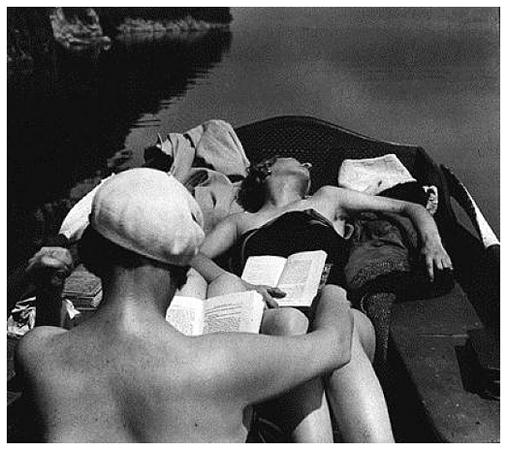 Bibi et Michèle Verly à Lac d'Aix-les-Bains (May 1928) © Jacques Henri Lartigue / Ministère de la Culture-France