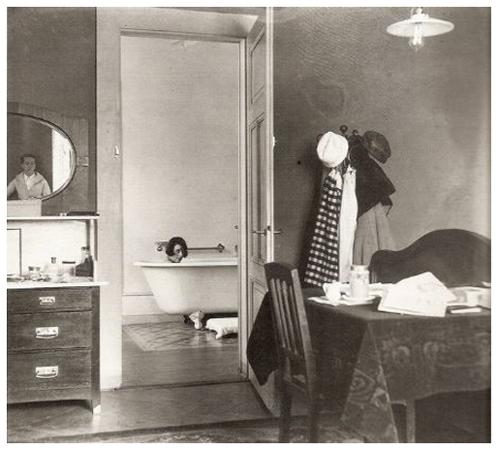 Honeymoon à l'hotel des Alpes, Chamonix (Jan 1920) © Jacques Henri Lartigue / Ministère de la Culture-France