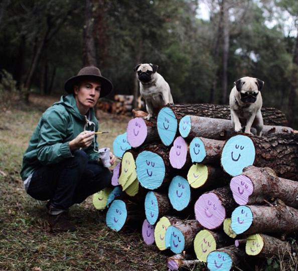 Lucas + dogs © Lucas Beaufort